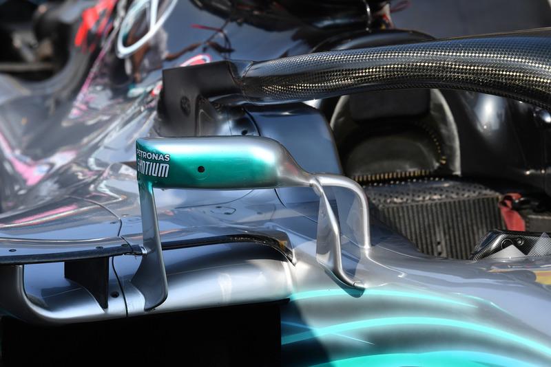 Mercedes AMG F1 W09 mirror