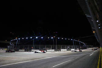 Pierre Gasly, Scuderia Toro Rosso STR13, leads cCharles Leclerc, Sauber C37, and Marcus Ericsson, Sauber C37