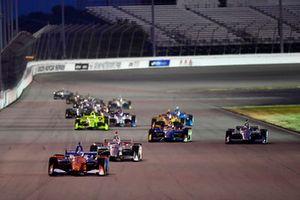 Scott Dixon, Chip Ganassi Racing Honda, führt