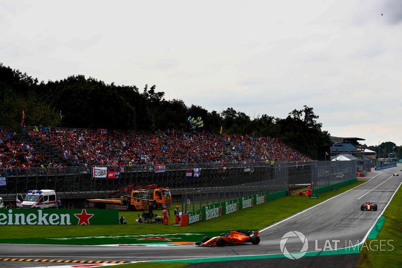 Fernando Alonso, McLaren MCL33, Stoffel Vandoorne, McLaren MCL33