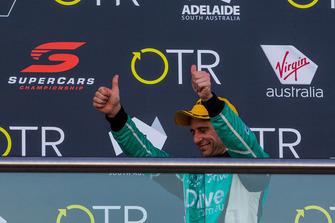 Подиум: обладатель третьего места Майкл Карузо, Nissan Motorsport