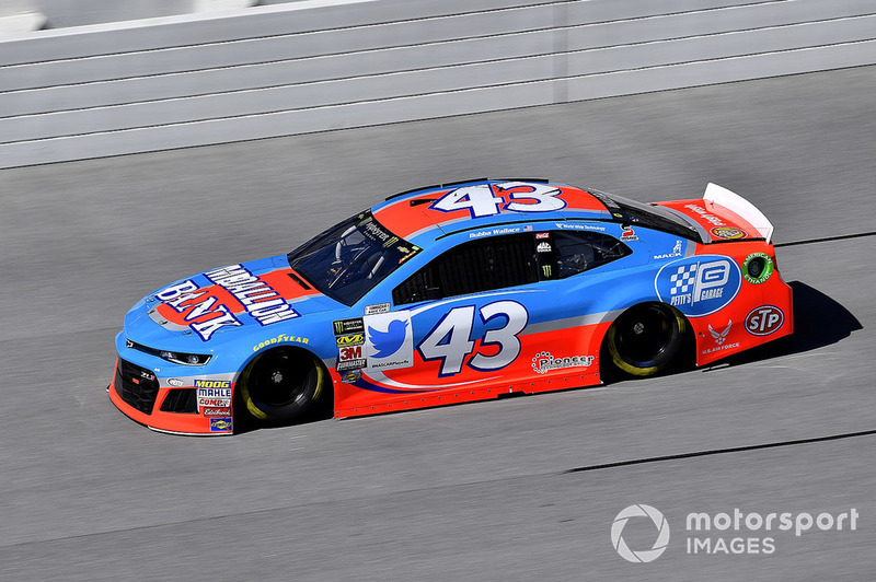17. Darrell Wallace Jr., Richard Petty Motorsports, Chevrolet Camaro Medallion Bank / Petty's Garage