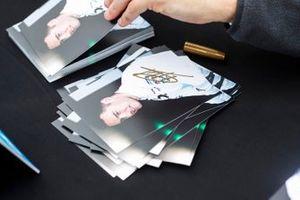 Les cartes d'autographes de Stoffel Vandoorne, HWA Racelab