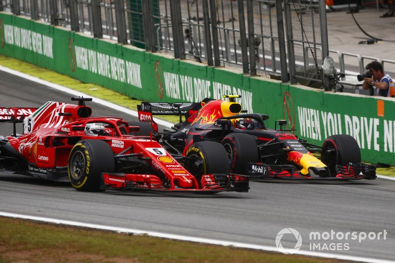 Max Verstappen, Red Bull Racing RB14, Sebastian Vettel, Ferrari SF71H.