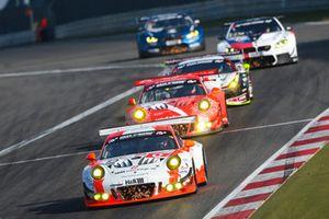 #12 Manthey Racing Porsche GT3-R: Otto Klohs, Lars Kern, Dennis Olsen