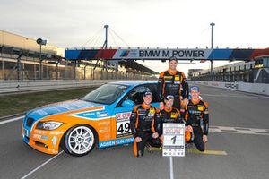 #490 BMW 325i e90: Christopher Rink, Danny Brink, Phillipp Leisen with Team principalMatthias Unger