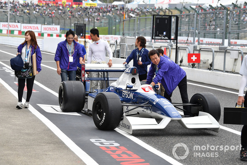 Tyrrell 019 at Legends F1 30th Anniversary Lap Demonstration