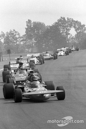 Ronnie Peterson(, March 711, leads John Surtees, Surtees TS9
