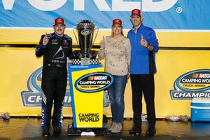 Champion Brett Moffitt, Hattori Racing Enterprises, Toyota Tundra AISIN Group with Tyler Gibbs of TRD and wife