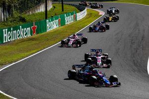 Pierre Gasly, Scuderia Toro Rosso STR13, leads Sergio Perez, Racing Point Force India VJM11, Esteban Ocon, Racing Point Force India VJM11, Brendon Hartley, Toro Rosso STR13, and Carlos Sainz Jr., Renault Sport F1 Team R.S. 18