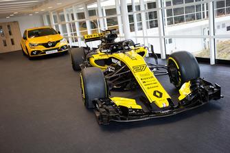 Sala de exhibición Renault R.S. 18