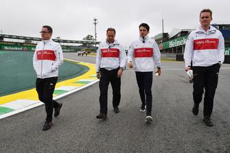 Charles Leclerc, Sauber camina por el circuito