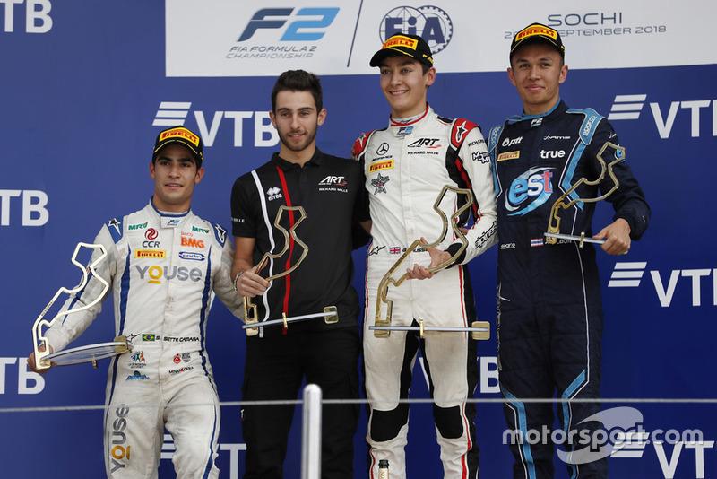 Podio: ganador de la carrera George Russell, Gran Prix ART, segundo lugar Sergio Sette Camara, Carlin, tercer lugar Alexander Albon, DAMS