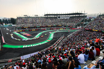 Race action in the stadium