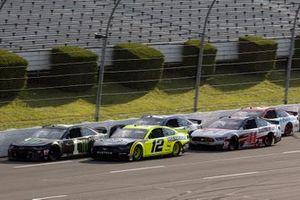 Kurt Busch, Chip Ganassi Racing, Chevrolet Camaro Monster Energy, Ryan Blaney, Team Penske, Ford Mustang Menards/Duracell