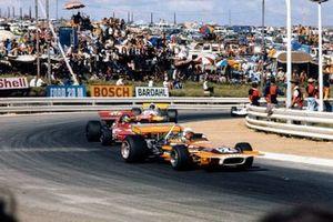John Love, March 701, Ronnie Peterson, March 711, Dave Charlton, Brabham BT33