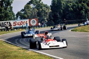 Clay Regazzoni, BRM P160D ahead of François Cevert, Tyrrell 006 Ford