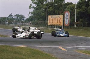 Denny Hulme, McLaren M19C Ford, Jackie Stewart, Tyrrell 005 Ford, Carlos Reutemann, Brabham BT37 Ford, y Peter Revson, McLaren M19C Ford