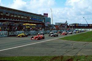 Arrancada, Rubens Barrichello, Ferrari F1-2000 en la pole position