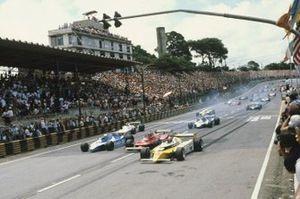Jean-Pierre Jabouille, Renault RE20, leads Didier Pironi, Ligier JS11/15-Ford, Gilles Villeneuve, Ferrari 312T5 at the start