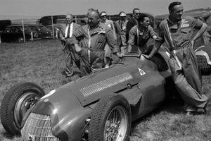 Luigi Fagioli, Juan Manuel Fangio, Alfa Romeo 159 et les mécaniciens