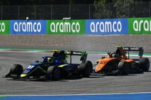 Enaam Ahmed, Carlin, leads Alessio Deledda, Campos Racing