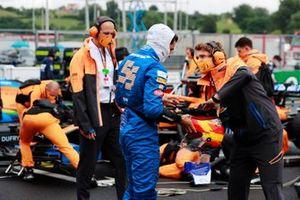 Карлос Сайнс-младший, McLaren, на стартовой решетке