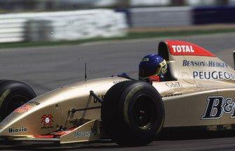 Colin McRae tests the Jordan GP car
