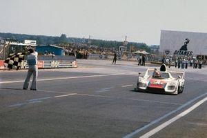 Jacky Ickx, Gijs van Lennep, Porsche 936