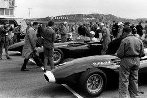 Tony Brooks, Vanwall VW 7, Stirling Moss, Vanwall VW 10, Stuart Lewis-Evans, Vanwall VW 5