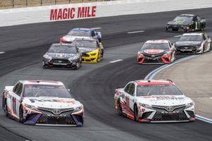 Денни Хэмлин, Joe Gibbs Racing, Toyota Camry и Мартин Труэкс-младший, Joe Gibbs Racing, Toyota Camry