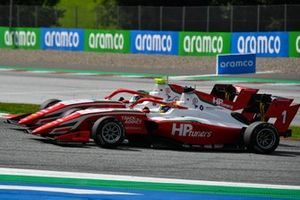 Frederik Vesti, Prema Racing leads Oscar Piastri, Prema Racing
