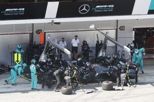 Valtteri Bottas, Mercedes F1 W11 EQ Performance, makes a stop