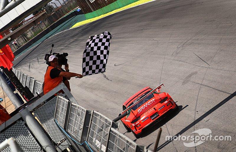 Paludo vence de novo - Porsche
