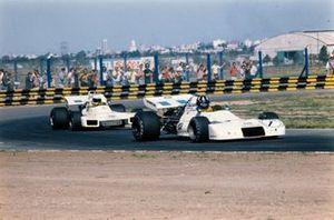 Graham Hill, Brabham BT33 Ford precede Carlos Reutemann, Brabham BT34 Ford, GP d'Argentina del 1972
