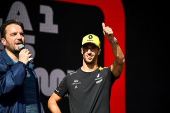 Daniel Ricciardo, Renault on the stage at the Fan Zone