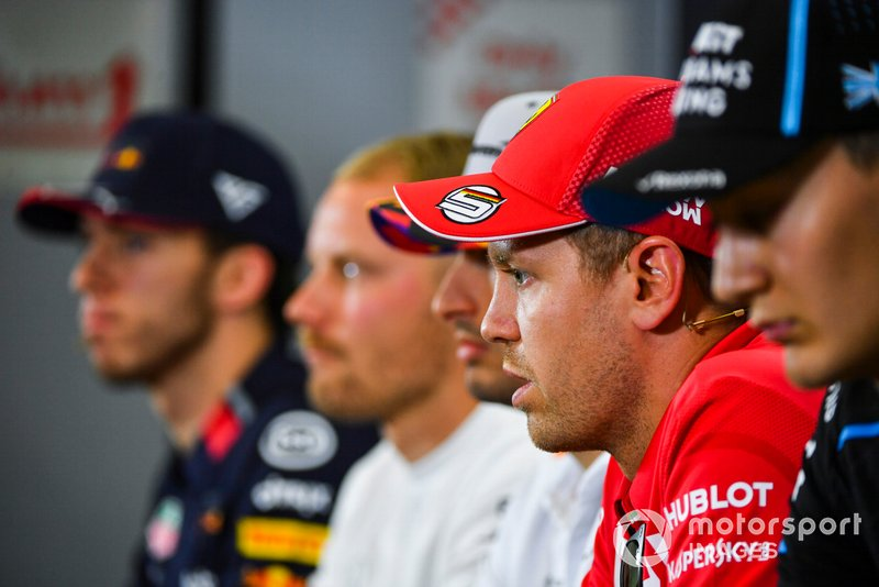 Sebastian Vettel, Ferrari, George Russell, Williams Racing, Carlos Sainz Jr, McLaren, Valtteri Bottas, Mercedes AMG F1 y Pierre Gasly, Red Bull Racing en conferencia de prensa