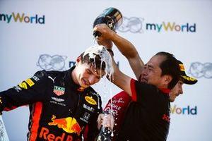 Toyoharu Tanabe, directeur technique F1, Honda, asperge Max Verstappen, Red Bull Racing, vainqueur