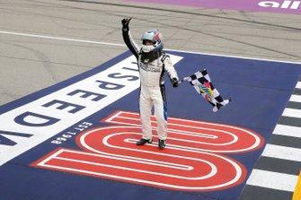 Tyler Reddick, Richard Childress Racing, Chevrolet Camaro KC Motorgroup celebrates his win