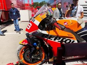 Jorge Lorenzo, Repsol Honda, crash monday test Barcelona