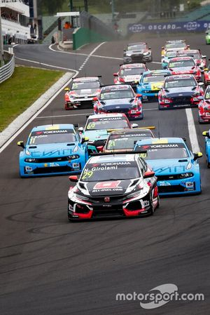 Néstor Girolami, ALL-INKL.COM Münnich Motorsport Honda Civic Type R TCR leads