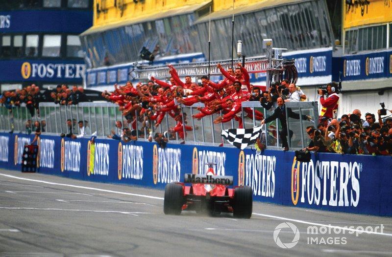 Pole, volta mais rápida e vitória no mesmo GP: Schumi, 22