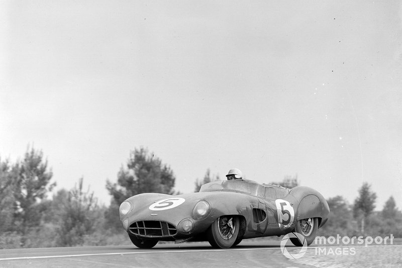 #5 David Brown Racing, Aston Martin DBR1/300: Carroll Shelby, Roy Salvadori