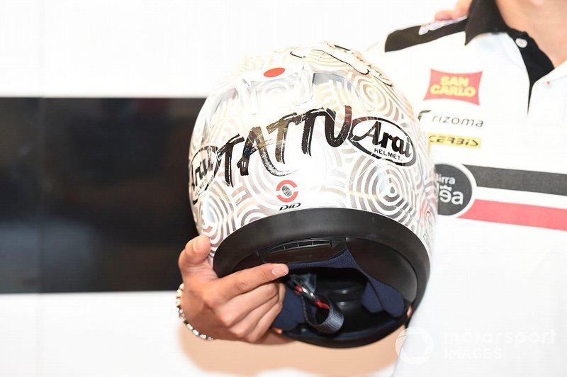 Casco de Tatsuki Suzuki, SIC58 Squadra Corse, con Paolo Simoncelli