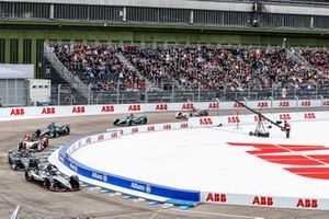 Sébastien Buemi, Nissan e.Dams, Nissan IMO1, Stoffel Vandoorne, HWA Racelab, VFE-05, Lucas Di Grassi, Audi Sport ABT Schaeffler, Audi e-tron FE05, Gary Paffett, HWA Racelab, VFE-05, Alex Lynn, Panasonic Jaguar Racing, Jaguar I-Type 3, Daniel Abt, Audi Sport ABT Schaeffler, Audi e-tron FE05