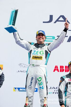 Cacá Bueno, Jaguar Brazil Racing, 1st position, celebrates on the podium