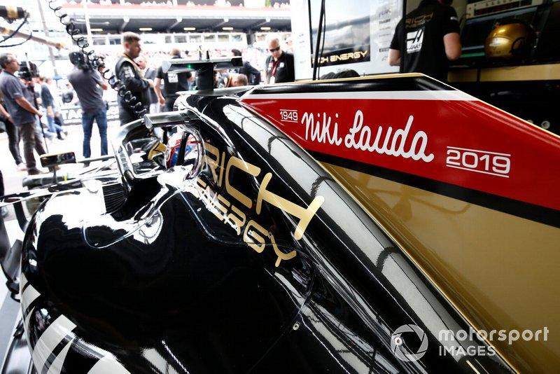 Un hommage à Niki Lauda sur la Haas F1 Team VF-19