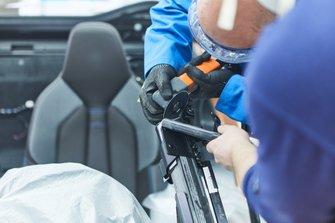 BMW i8 Roadster güvenlik aracı