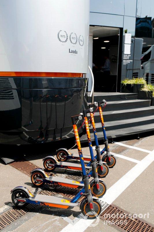 McLaren scooterları