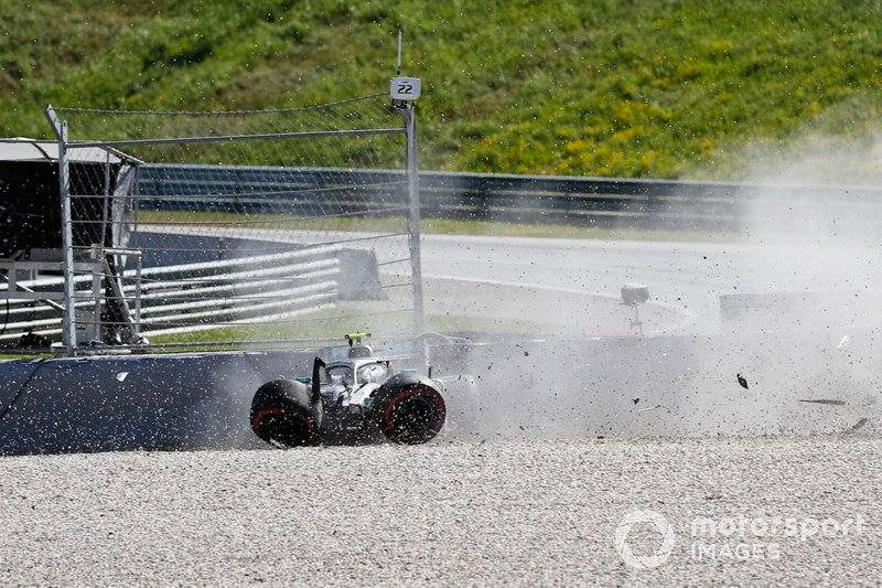 L'accident de Valtteri Bottas, Mercedes AMG W10